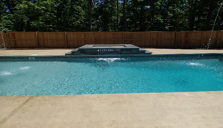 7 steps to keeping your pool crystal clear and Blue